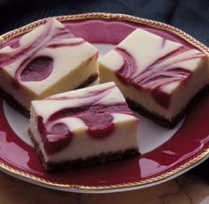 Barritas de Cheesecake de Frambuesa Bajas en Grasas
