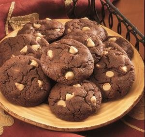 Galletas de Chocolate con Chips de Crema de Cacahuate