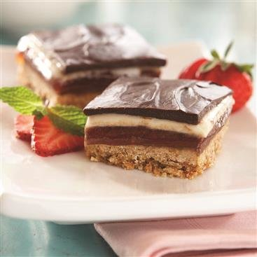 Triple Chocolate Strawberry Cookie Bars